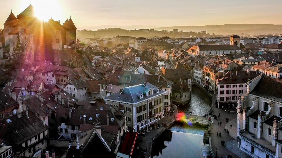 imagen de ciudad hecha con dron