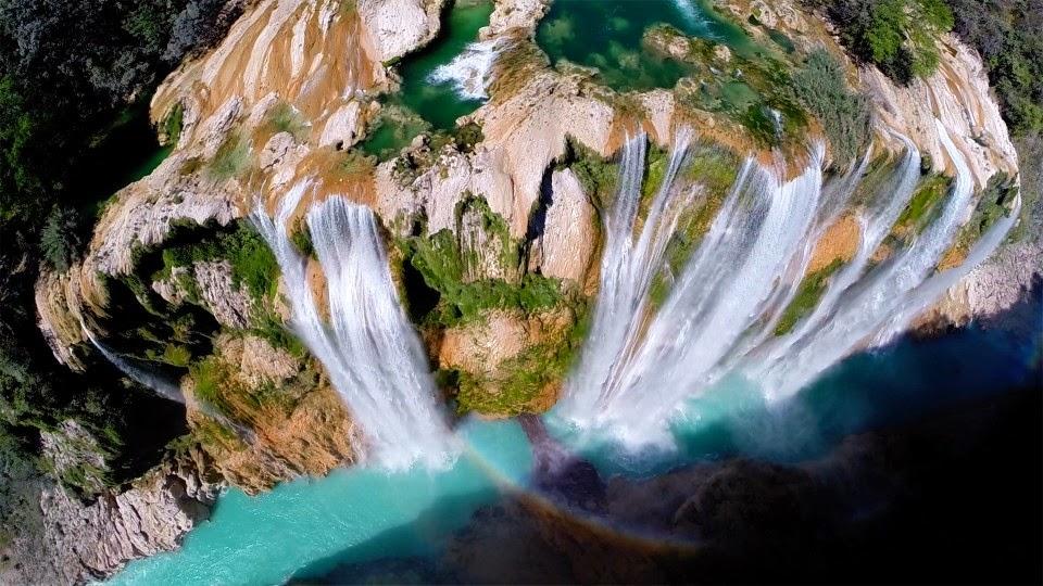 imagen de cascadas hecha con dron